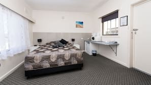 Cots/infant beds, rollaway beds, free WiFi