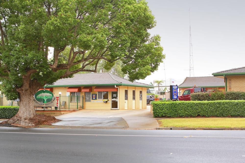 Garden city motor inn deals reviews toowoomba aus wotif Civic centre motor inn