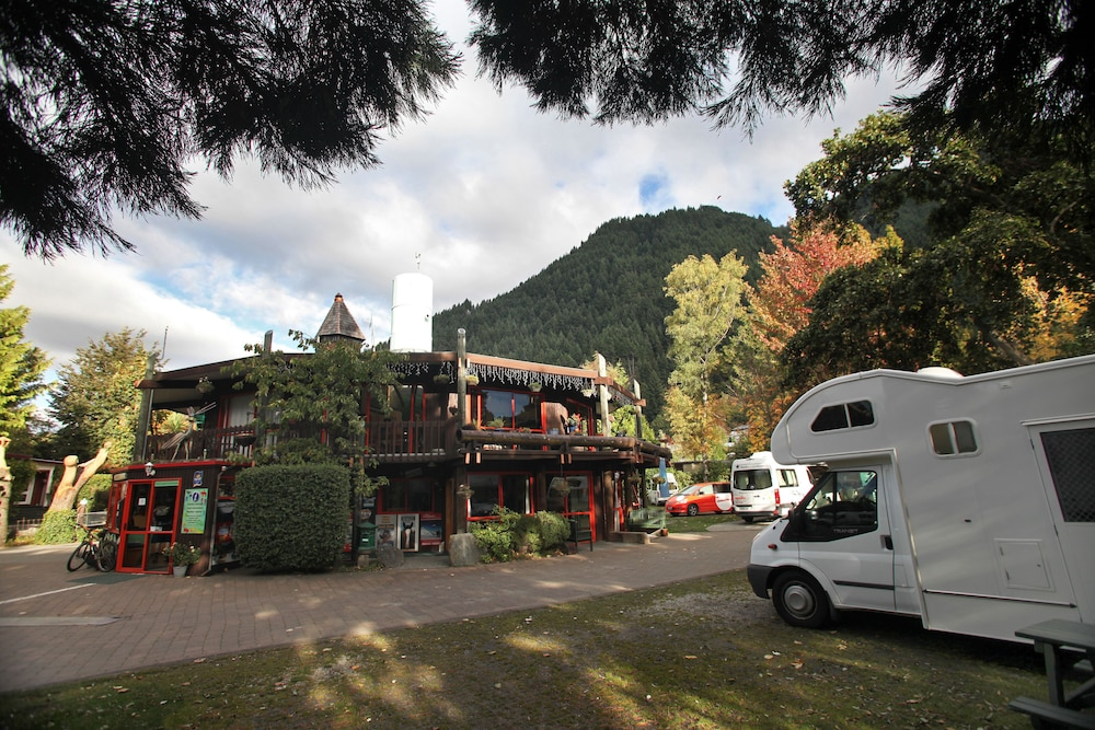 Queenstown Holiday Park And Motels Creeksyde