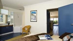 3 bedrooms, cots/infant beds, free WiFi