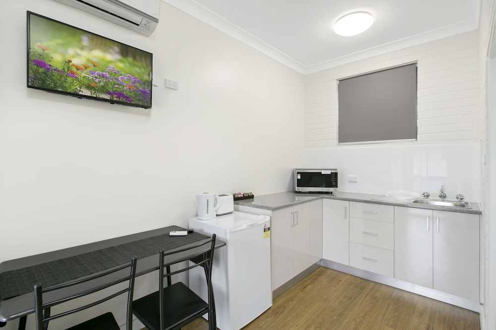 Private Kitchenette, Australian Community Villages