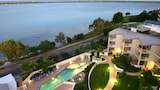 Moorings Beach Resort - Golden Beach Hotels