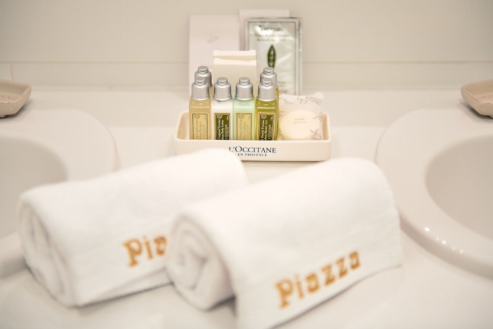 Bathroom Amenities, Piazza Heritage Hotel