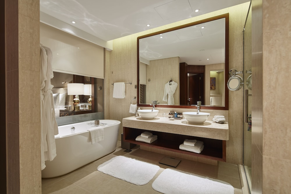 Bathroom, Fairmont Ajman
