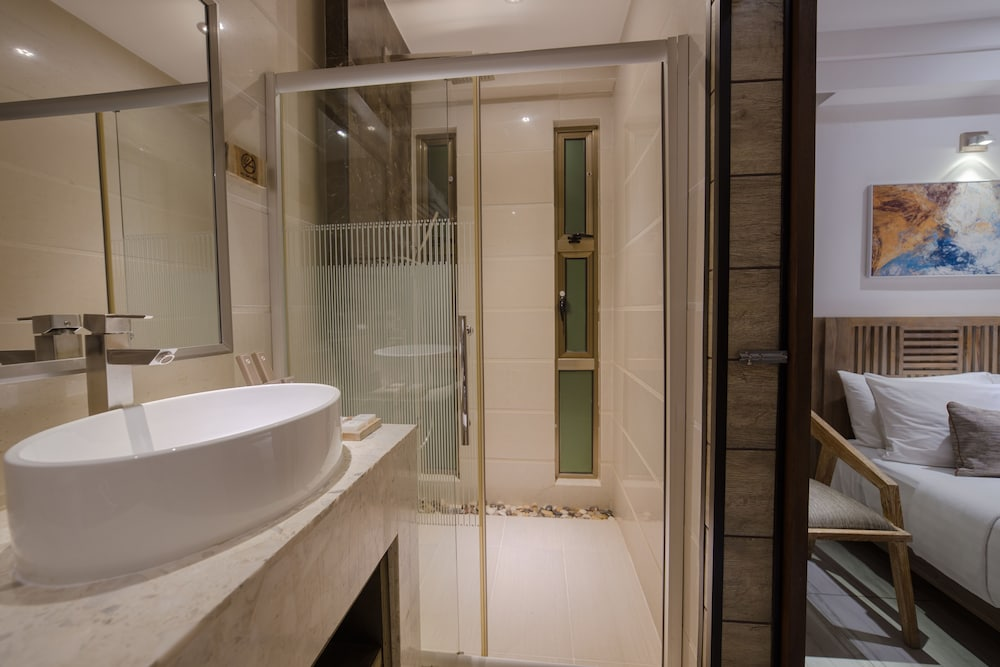 Bathroom, Hotel Ocean Grand at Hulhumale