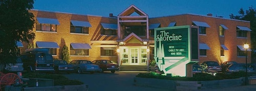 Great Place to stay The Shoreline Inn near Grand Marais