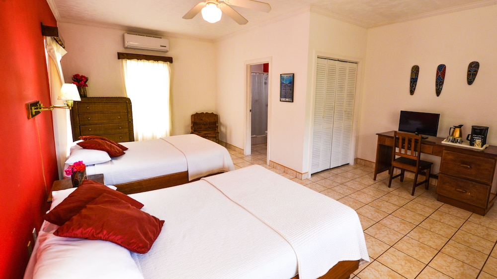 Room, Turquoise Bay Dive & Beach Resort