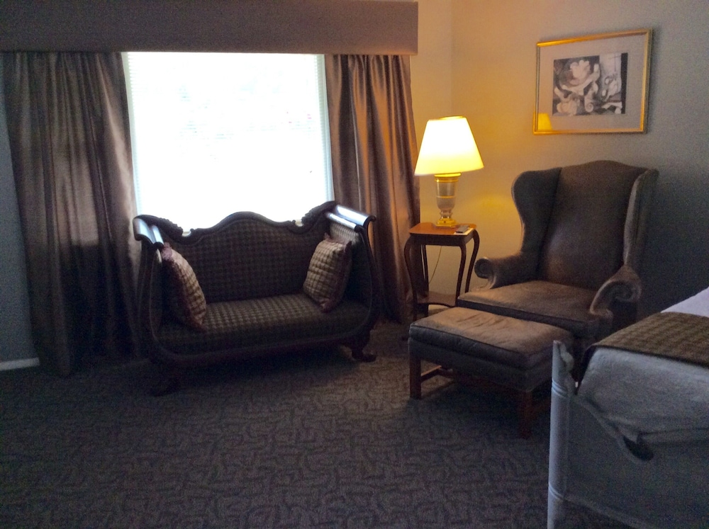 Living Area, The Rosewood Inn at Rye