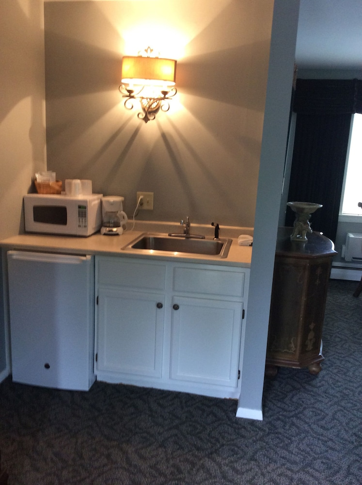 Private Kitchenette, The Rosewood Inn at Rye