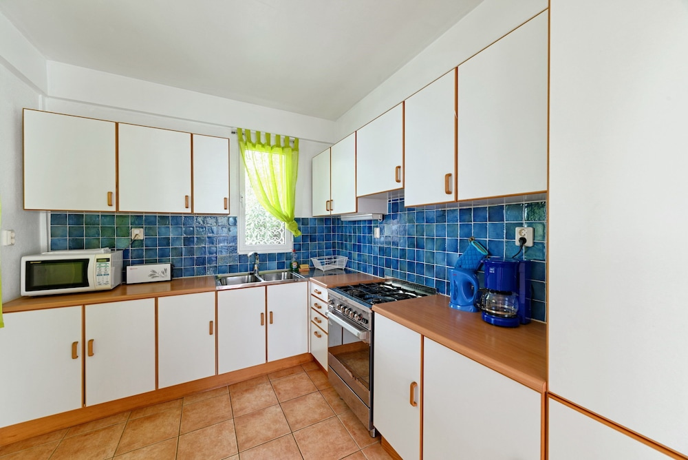 Private Kitchen, Caribbean Sea View Holiday Apartments