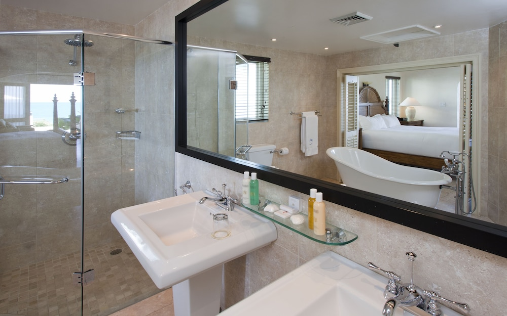 Bathroom, Cove Suites at Blue Waters