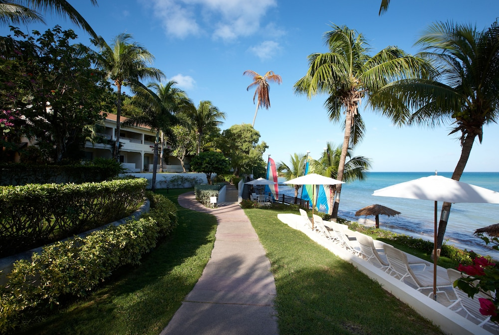 Property Grounds, Cove Suites at Blue Waters
