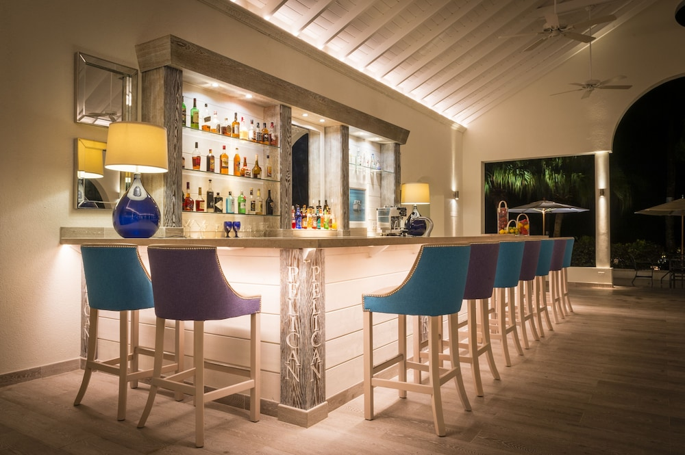 Bar, Cove Suites at Blue Waters