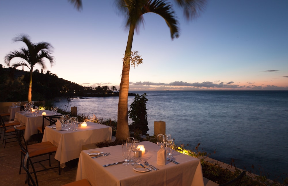 Dining, Cove Suites at Blue Waters