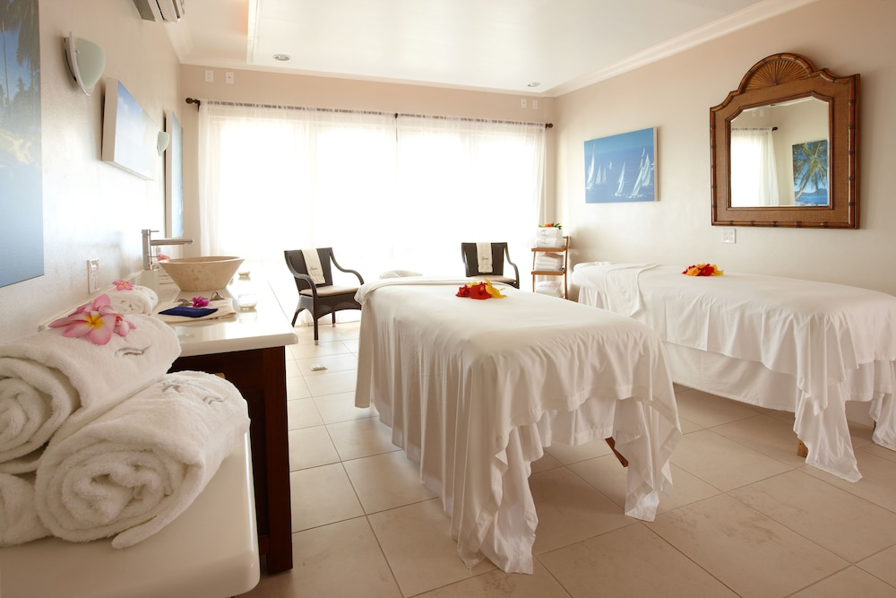 Treatment Room, Cove Suites at Blue Waters