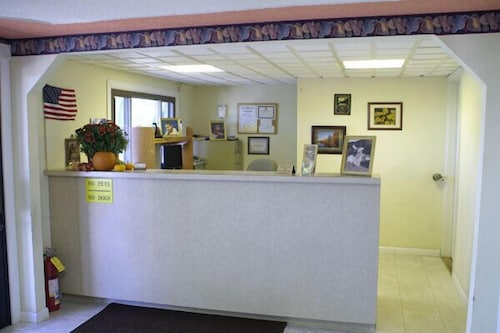 Reception, Appalachian Motel