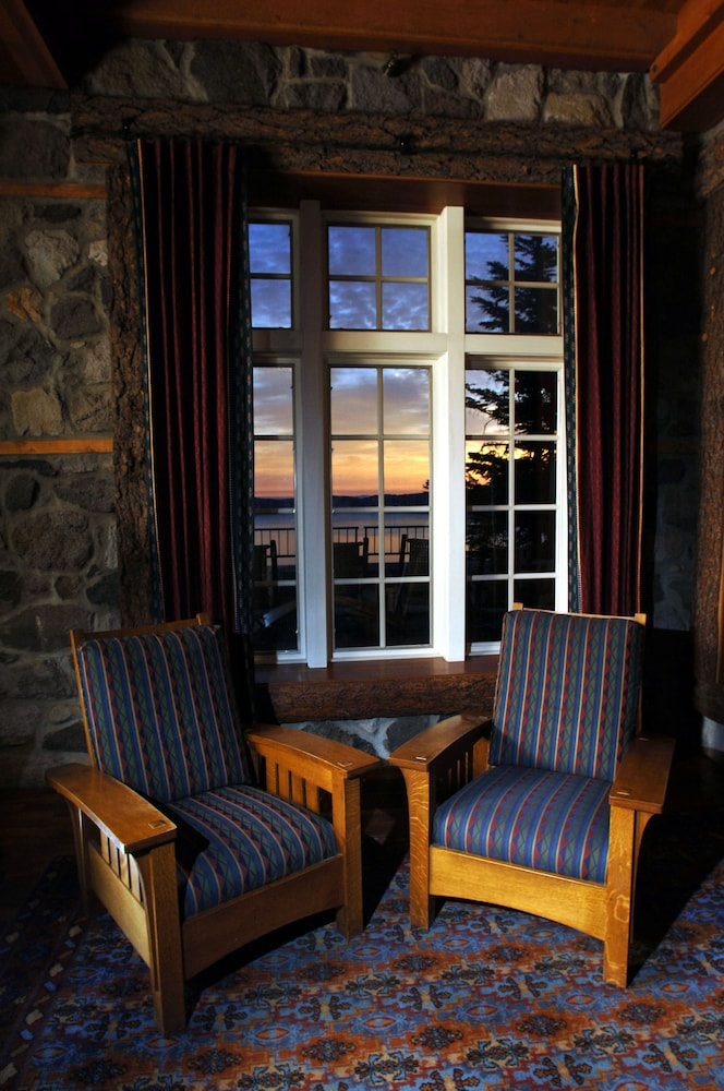 Lobby Sitting Area, Crater Lake Lodge - Inside the Park