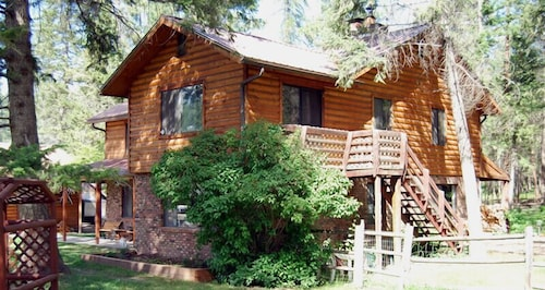 Exterior, Lonesome Dove Guest Ranch