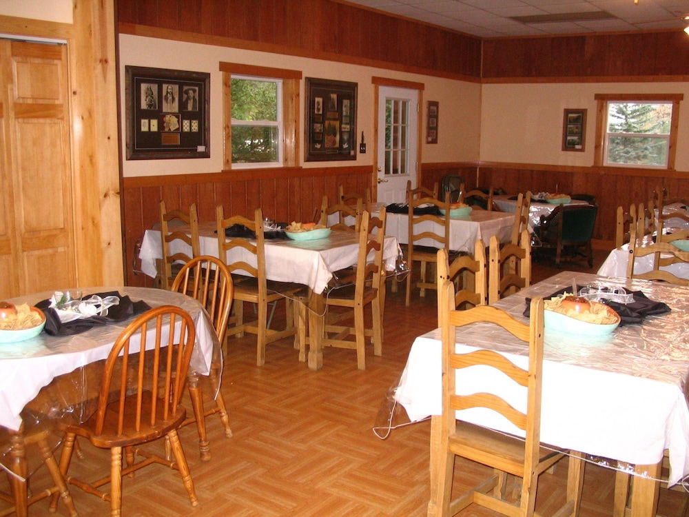Restaurant, Lonesome Dove Guest Ranch