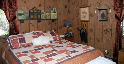 Room, Lonesome Dove Guest Ranch