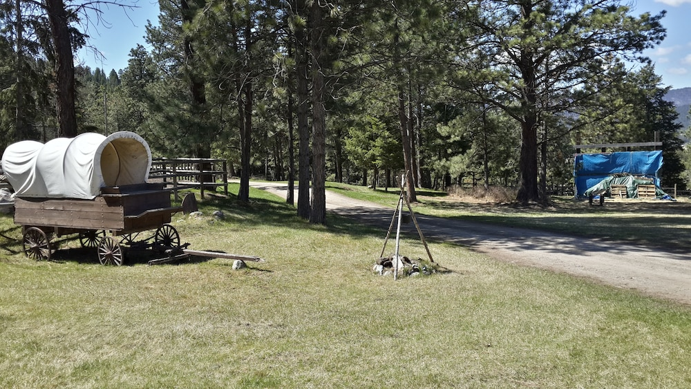 Property Grounds, Lonesome Dove Guest Ranch