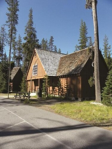 Exterior, The Cabins at Mazama Village