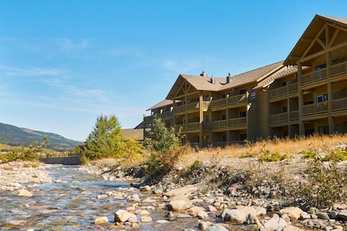 St mary lodge and resort 2018 room prices deals for St mary lodge and cabins