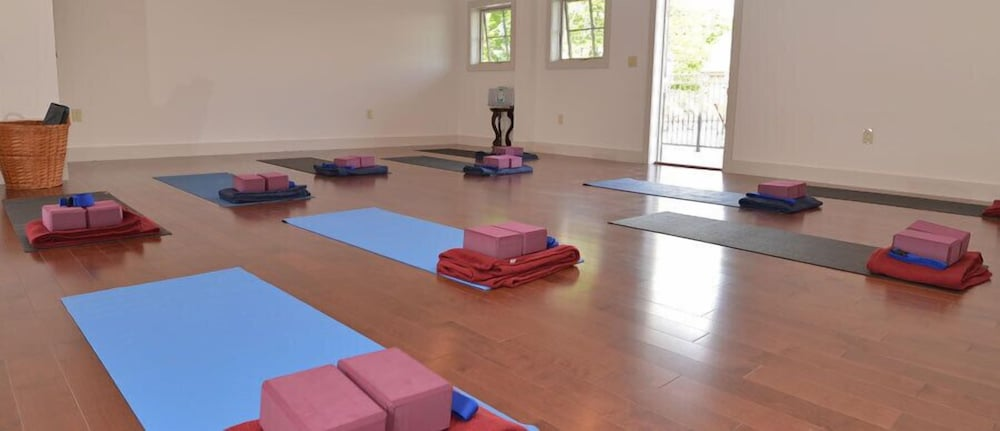 Yoga, The Mountain Top Inn & Resort