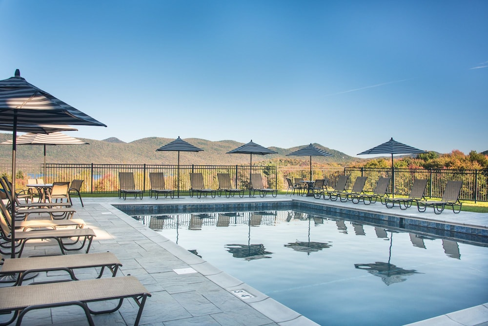 Outdoor Pool, The Mountain Top Inn & Resort