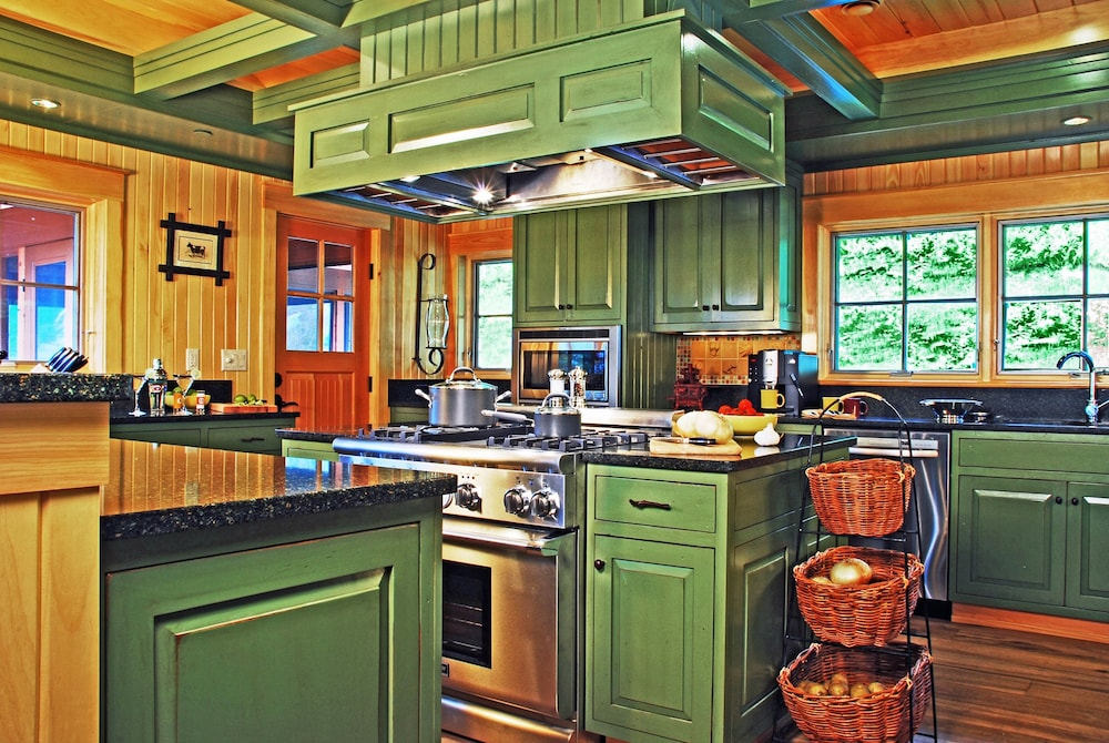 Private Kitchen, The Mountain Top Inn & Resort