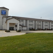 Pleasant Stay Inn & Suites