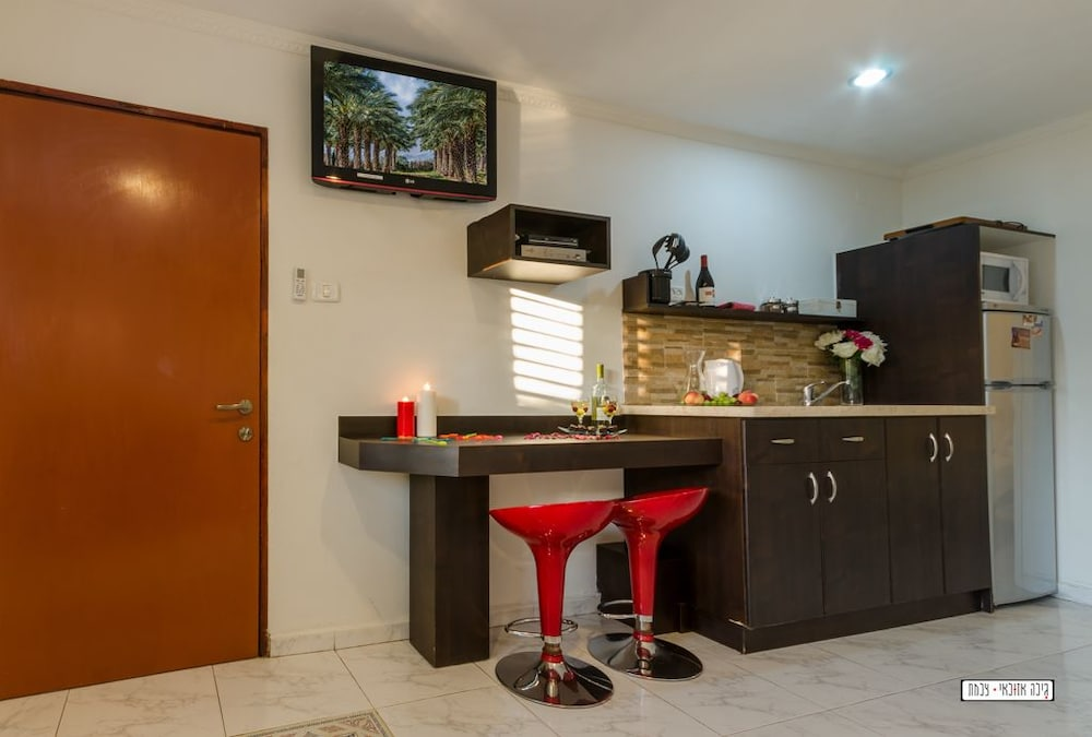 Private Kitchenette, Avigail Guest House