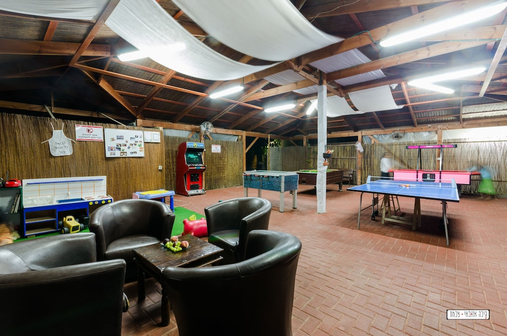 Game Room, Avigail Guest House