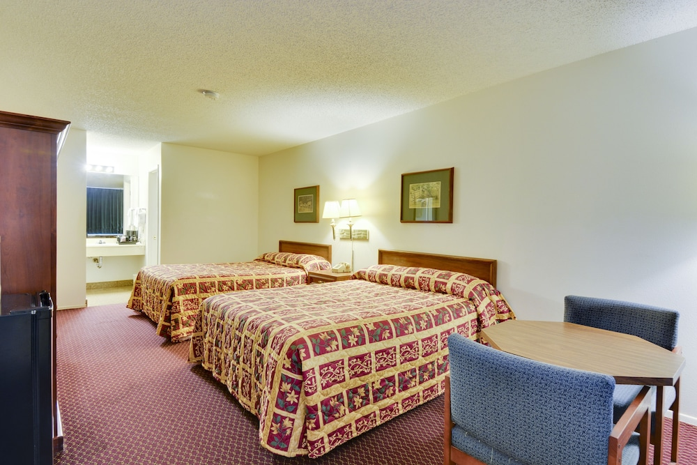 Room, Windcrest Inn and Suites