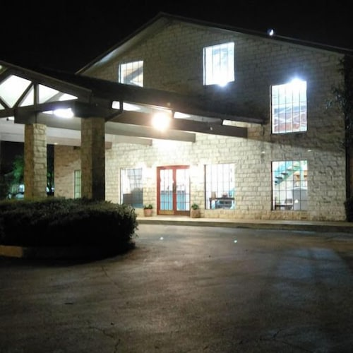 Front of Property - Evening/Night, Windcrest Inn and Suites