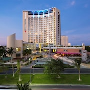 Krystal Urban Cancun