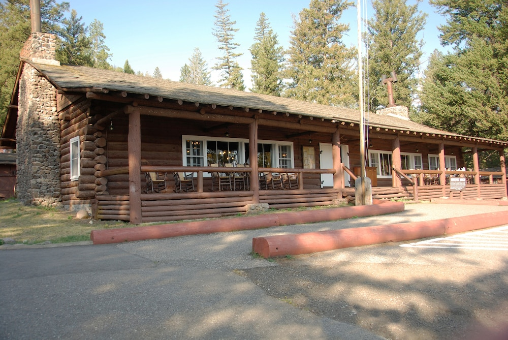 Roosevelt Lodge & Cabins - Inside the Park in Yellowstone
