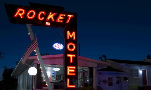 Check Expedia for Availability of Rocket Motel