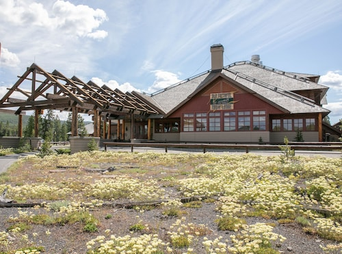 Old Faithful Snow Lodge & Cabins - Inside the Park