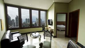 1 bedroom, premium bedding, down comforters, memory foam beds