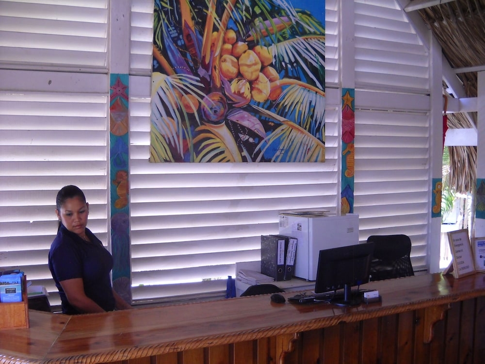 Las Palmas Beach Hotel 3 0 Out Of 5 Featured Image Reception Guestroom