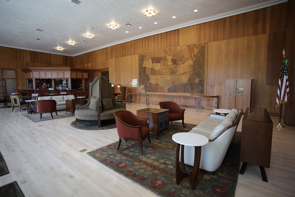 Lobby, Mammoth Hot Springs & Cabins - Inside the Park