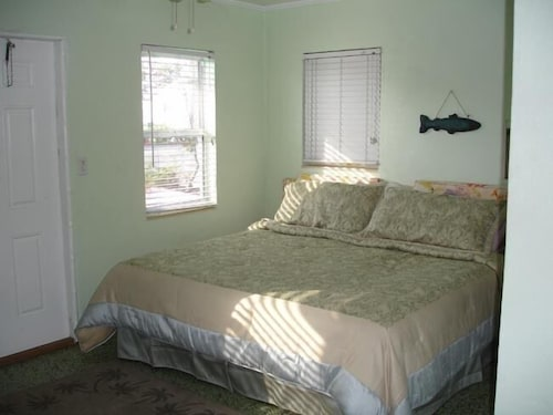 Check Expedia for Availability of Knolls Court Motel