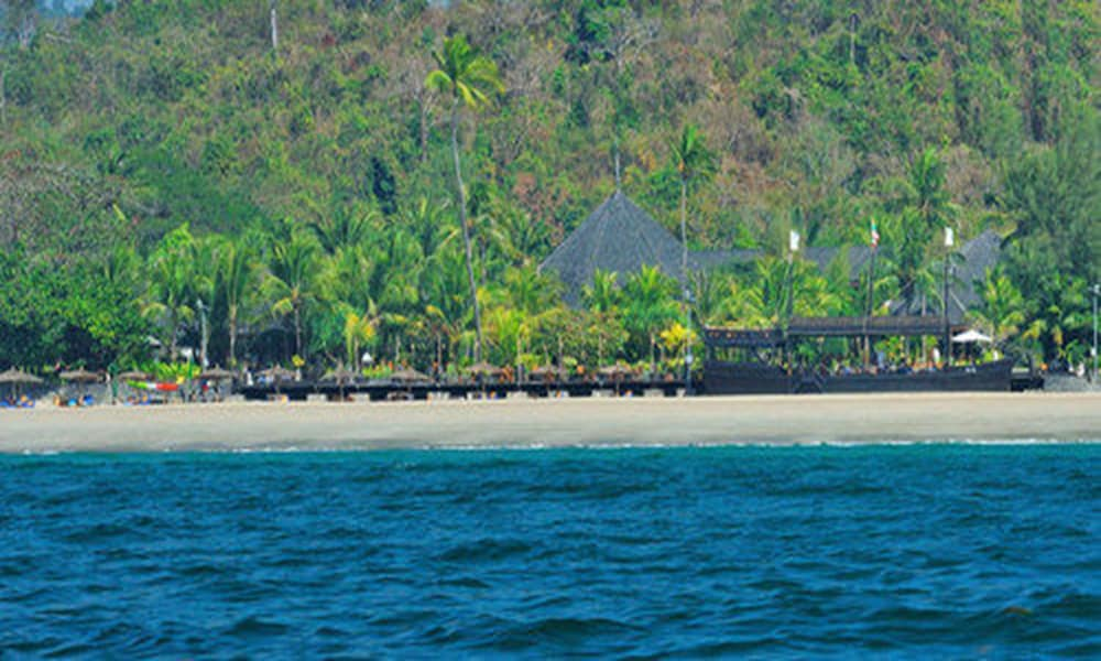Beach, Aureum Palace Hotel & Resort Ngapali