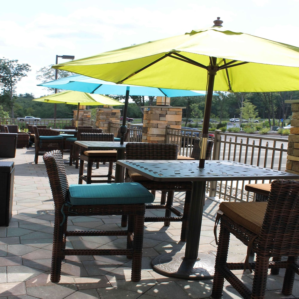Terrace/Patio, Hampton Inn & Suites Stroudsburg Bartonsville