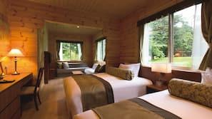 2 bedrooms, down duvets, minibar, in-room safe