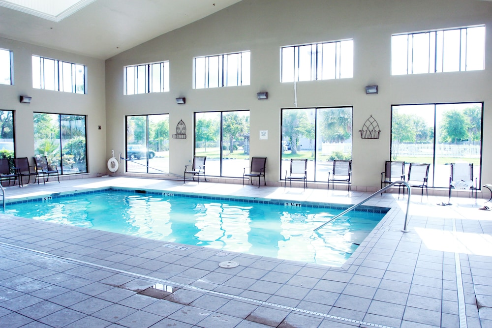 Indoor Pool, Ashton Inn & Suites