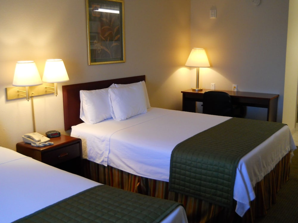 Room, Ashton Inn & Suites