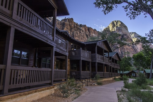 Zion Lodge - Inside The Park