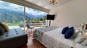 15 slaapkamers, luxe beddengoed, een minibar, een kluis op de kamer